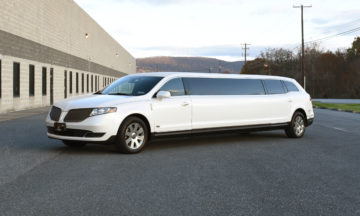 White Super Stetch Limousine